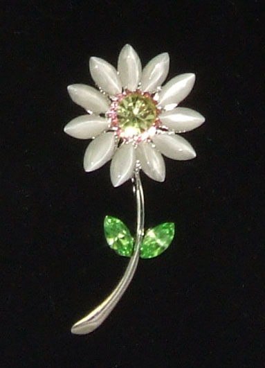 White daisy brooch